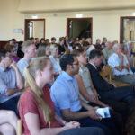 Bild des Publikums bei Morten Kjaerums Vortrag